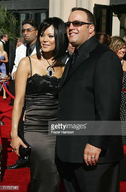 Actor Kevin James and wife Steffiana De La Cruz arrive at the 58th Annual Primetime Emmy Awards at the Shrine Auditorium on August 27 2006 in Los...