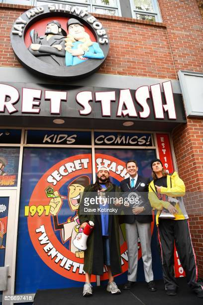 comic book men jay and silent bob cosplay guinness book of world