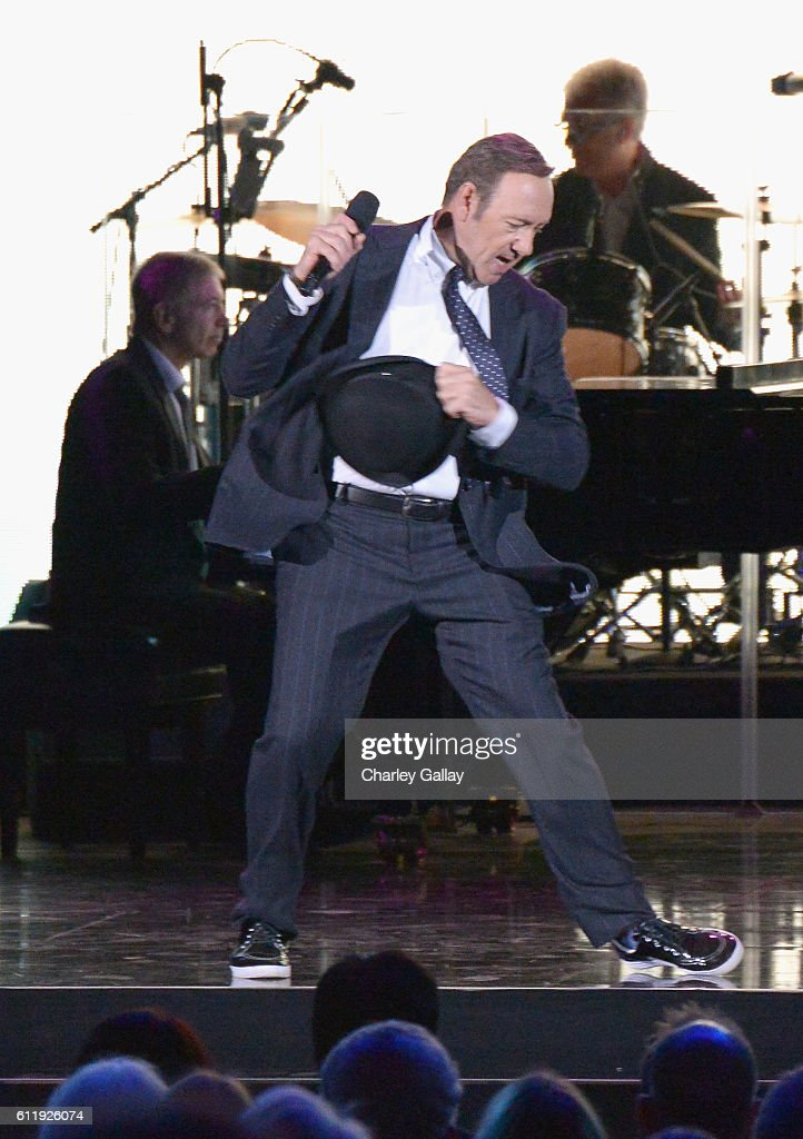 Actor Kevin Spacey performs onstage during the MPTF 95th anniversary celebration with 'Hollywood's Night Under The Stars' at MPTF Wasserman Campus on October 1, 2016 in Los Angeles, California.
