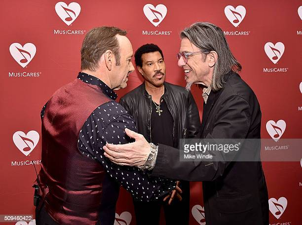 Actor Kevin Spacey recording artist Lionel Richie and Vice President of MusiCares Scott Goldman attend Arts Ideas An Evening with Lionel Richie at...