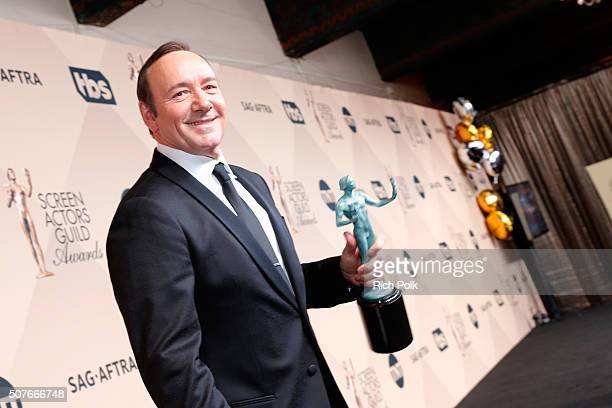 Actor Kevin Spacey winner of the award for Outstanding Performance By a Male Actor in a Drama Series for 'House of Cards' attends The 22nd Annual...