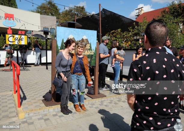 Actor Kimmy Robertson poses with fans outside at Showtime's 'Twin Peaks' Double R Diner PopUp on Melrose Avenue on October 20 2017 in Los Angeles...