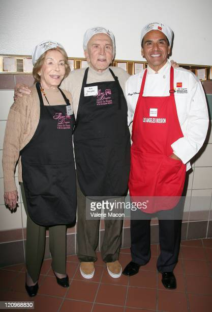 Actor Kirk Douglas and wife Anne and Mayor of Los Angeles Antonio Villaraigosa attend the LA Mission And Anne Douglas Center's Thanksgiving Meal For...