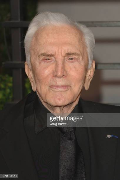 Actor Kirk Douglas arrives at the 2010 Vanity Fair Oscar Party hosted by Graydon Carter held at Sunset Tower on March 7 2010 in West Hollywood...