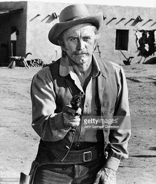 Actor Kirk Douglas plays Will Tenneray in the 1971 film A Gunfight