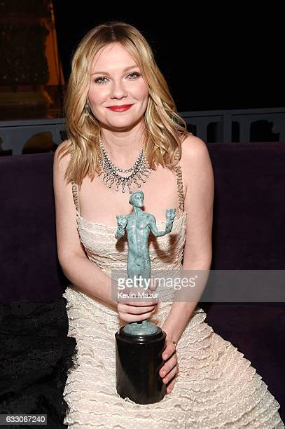 Actor Kirsten Dunst, winner of the Outstanding Cast in a Motion Picture award for 'Hidden Figures,' attends People And EIF's Annual Screen Actors...