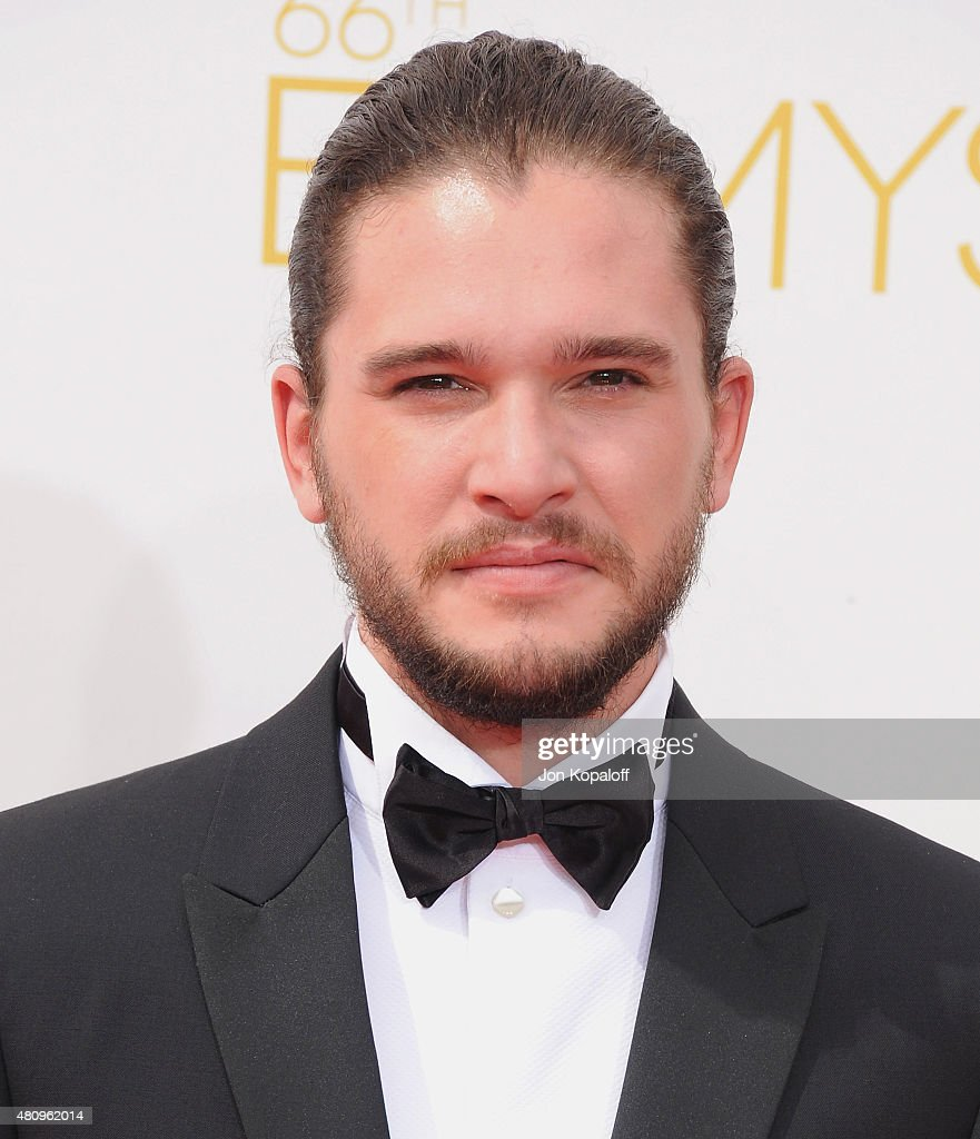 Actor Kit Harington arrives at the 66th Annual Primetime Emmy Awards at Nokia Theatre L.A. Live on August 25, 2014 in Los Angeles, California.