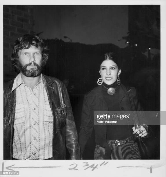 Actor Kris Kristofferson with his wife Rita Coolidge attending the premiere of the movie 'Chinatown' 1974
