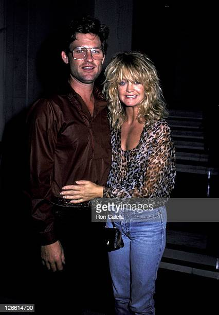Actor Kurt Russell and actress Goldie Hawn on July 23 1983 leave the Carlyle Hotel for a night out in New York City
