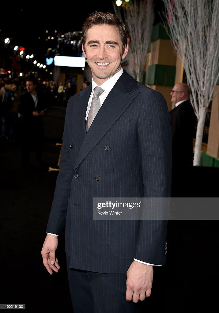 """Premiere Of New Line Cinema, MGM Pictures And Warner Bros. Pictures' """"The Hobbit: The Battle Of The Five Armies"""" - Red Carpet"""