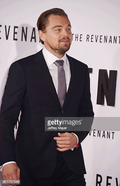Actor Leonardo DiCaprio arrives at the Premiere of 20th Century Fox And Regency Enterprises' 'The Revenant' at TCL Chinese Theatre on December 16...