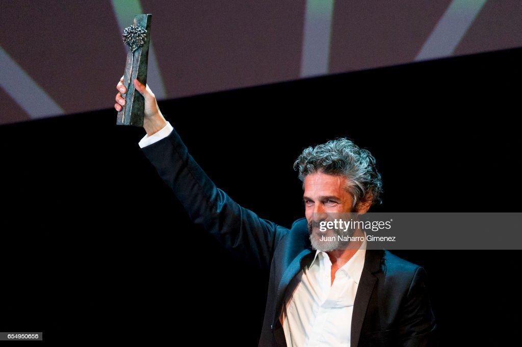 Actor Leonardo Sbaraglia receives the 'Malaga Sur' award 2017 during the 20th Malaga Film Festival 2017 on March 18, 2017 in Malaga, Spain.