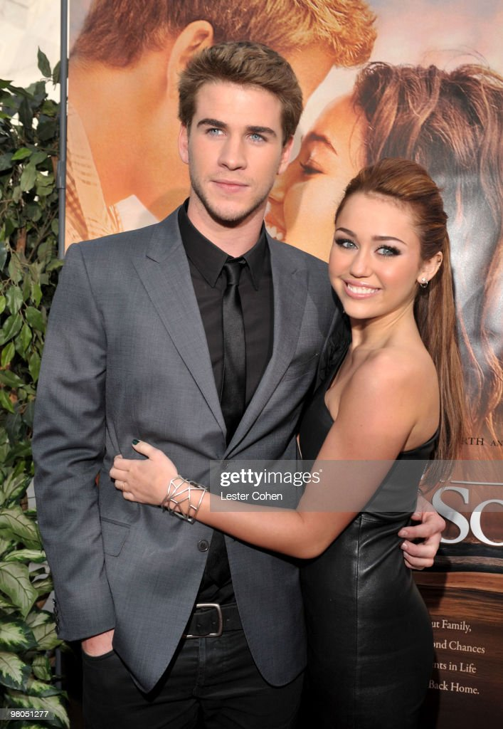 """""""The Last Song"""" Los Angeles Premiere - Red Carpet : News Photo"""