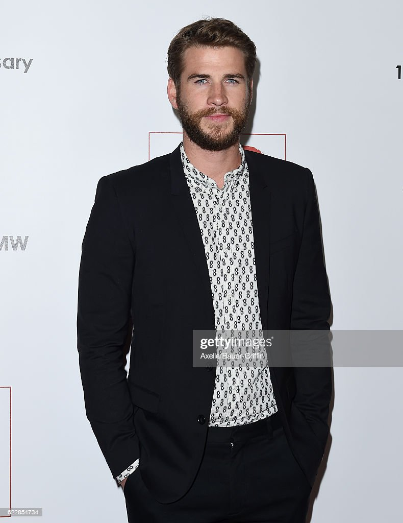 Actor Liam Hemsworth arrives at the 10th Annual GO Campaign Gala at Manuela on November 5, 2016 in Los Angeles, California.