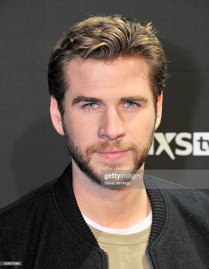 Actor Liam Hemsworth attends DirecTV Super Saturday Night Co-hosted by Mark Cuban's AXS TV at Pier 70 on February 6, 2016 in San Francisco, California.