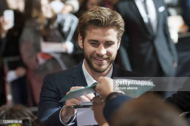 Actor Liam Hemsworth attends the world premiere of the film 'The Hunger Games Mockingjay Part 2' in Berlin Germany 4 November 2015 Photo Paul...