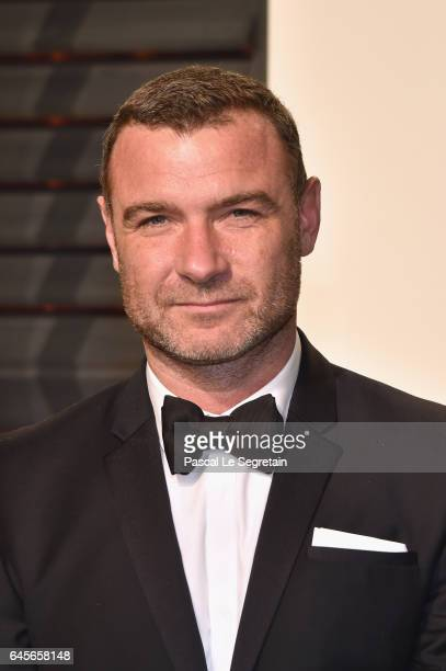 Actor Liev Schreiber attends the 2017 Vanity Fair Oscar Party hosted by Graydon Carter at Wallis Annenberg Center for the Performing Arts on February...