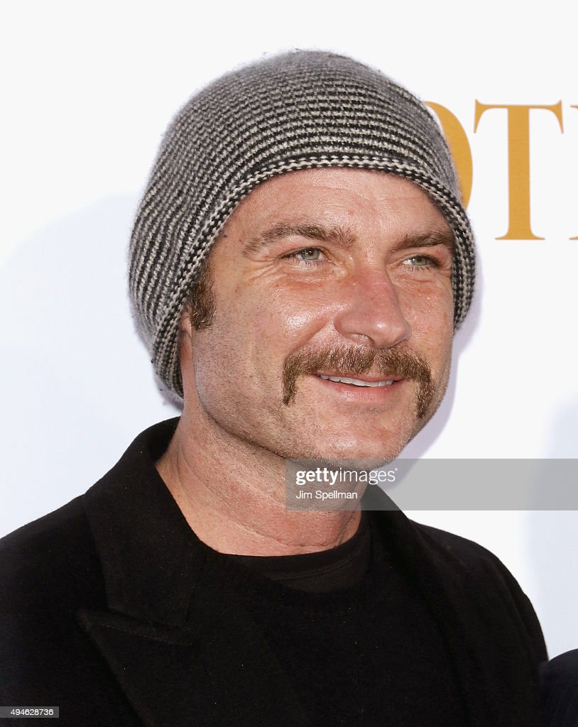 Actor Liev Schreiber attends the 'Spotlight' New York premiere at Ziegfeld Theater on October 27, 2015 in New York City.