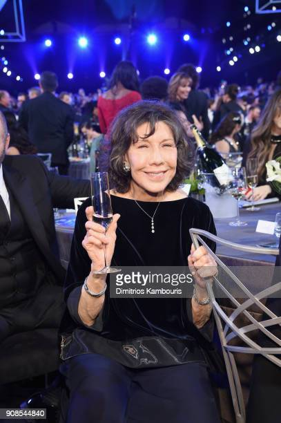 Actor Lily Tomlin attends the 24th Annual Screen Actors Guild Awards at The Shrine Auditorium on January 21 2018 in Los Angeles California 27522_009