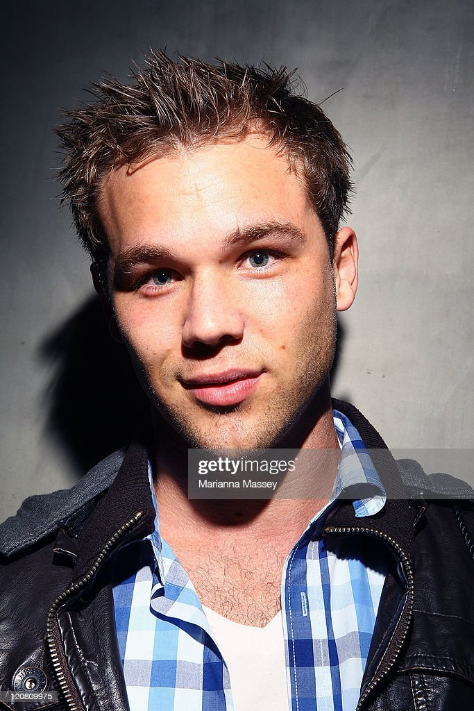 lincoln lewis - photo #35