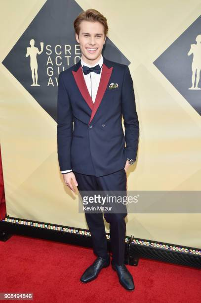 Actor Logan Shroyer attends the 24th Annual Screen Actors Guild Awards at The Shrine Auditorium on January 21 2018 in Los Angeles California 27522_007