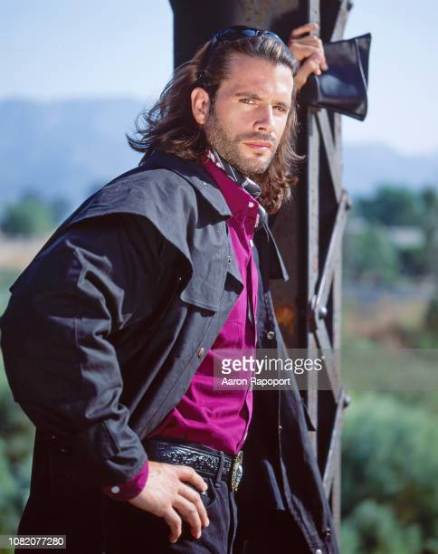 Actor Lorenzo Lamas poses for a portrait circa 1995 in Los Angeles California