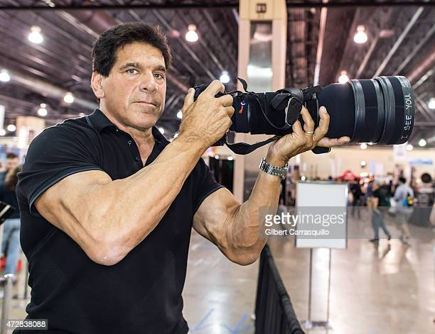 Actor Lou Ferrigno attends day 3 of Wizard World Comic Con at Pennsylvania Convention Center on May 9 2015 in Philadelphia Pennsylvania