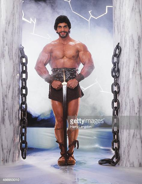 Actor Lou Ferrigno poses for a portrait in 1990 in Los Angeles, California.
