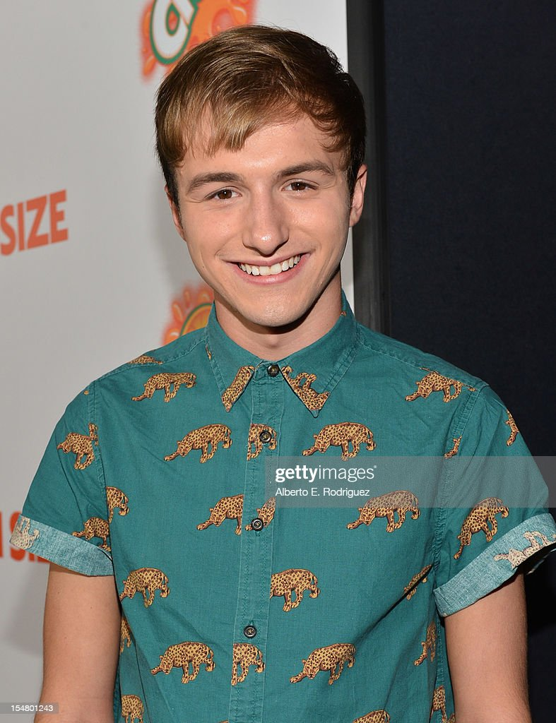 """Premiere Of Paramount Pictures' """"Fun Size"""" - Red Carpet"""