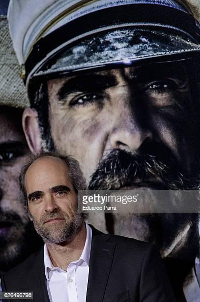 Actor Luis Tosar attends the '1898 los ultimos de Filipinas' premiere at Kinepolis cinema on November 29 2016 in Madrid Spain