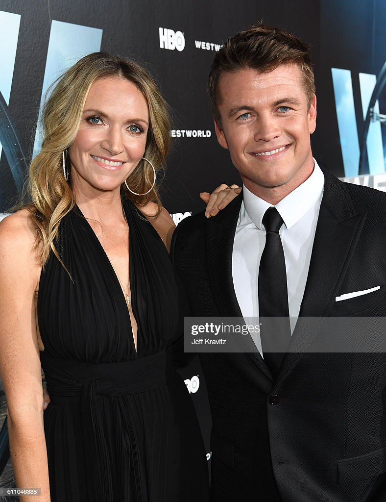 Actor Luke Hemsworth (R) and Samantha Hemsworth attend the premiere of HBO's 'Westworld' at TCL Chinese Theatre on September 28, 2016 in Hollywood, California.