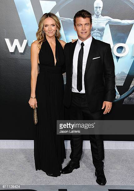 Actor Luke Hemsworth and wife Samantha Hemsworth attend the premiere of Westworld at TCL Chinese Theatre on September 28 2016 in Hollywood California