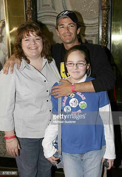 Actor Luke Perry arrives with family members Marcie and Amy Coder at the screening of Pooh's Grand Adventure The Search for Christopher Robin at the...