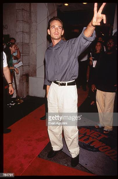 Actor Luke Perry attends the premiere of Supercop July 24 1996 in New York City The movie was the followup to Rumble in the Bronx Jackie Chan's first...
