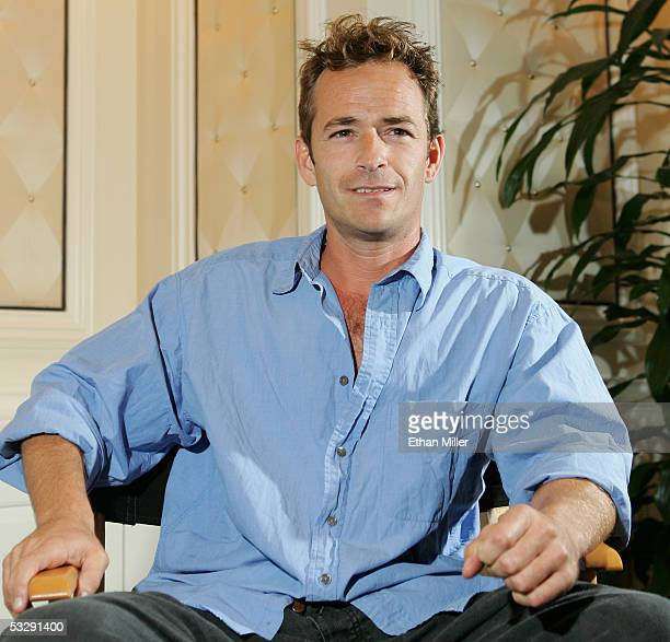 Actor Luke Perry poses at the Video Software Dealers Association's annual home video convention at the Bellagio July 26 2005 in Las Vegas Nevada...