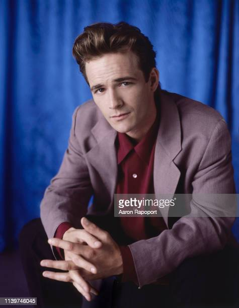 Actor Luke Perry poses for a portrait circa 1991 in Los Angeles California