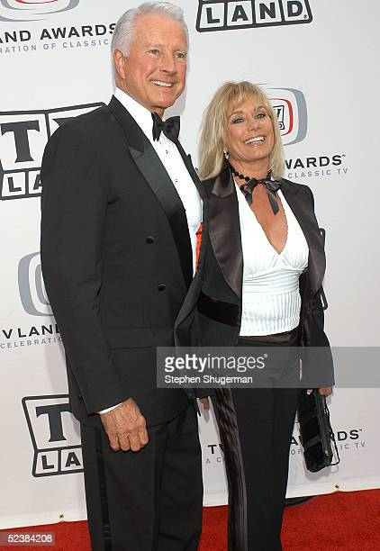 Actor Lyle Waggoner and his wife Sharon Kennedy arrives at the 2005 TV Land Awards at Barker Hangar on March 13 2005 in Santa Monica California