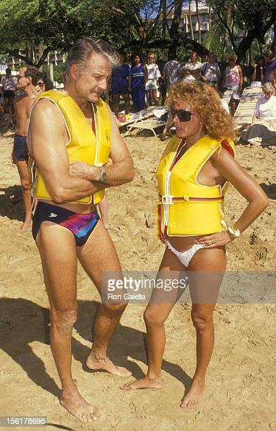 Actor Lyle Waggoner and wife Sharon Kennedy attend Kauai Lani Celebrity Sports Invitational on October 6 1988 in Kauai Lani Hawaii