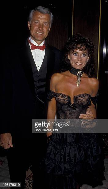 Actor Lyle Waggoner and wife Sharon Kennedy attend Valentino Fashion Awards on April 8 1987 at the Century Plaza Hotel in Century City California