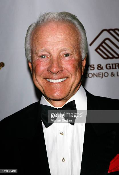 Actor Lyle Waggoner arrives at the Stand Up For Kids Annual Dinner and Auction on October 24 2009 in Westlake Village California