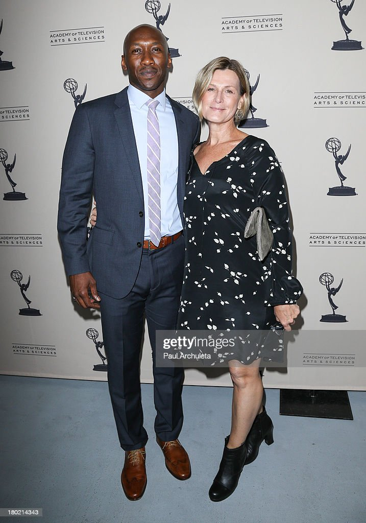 Attrayant Actor Mahershala Ali (L) And Casting Director Laray Mayfield (R) Attend The