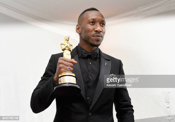Actor Mahershala Ali, winner of the award for Actor in a Supporting Role for 'Moonlight,' attends the 89th Annual Academy Awards Governors Ball at...
