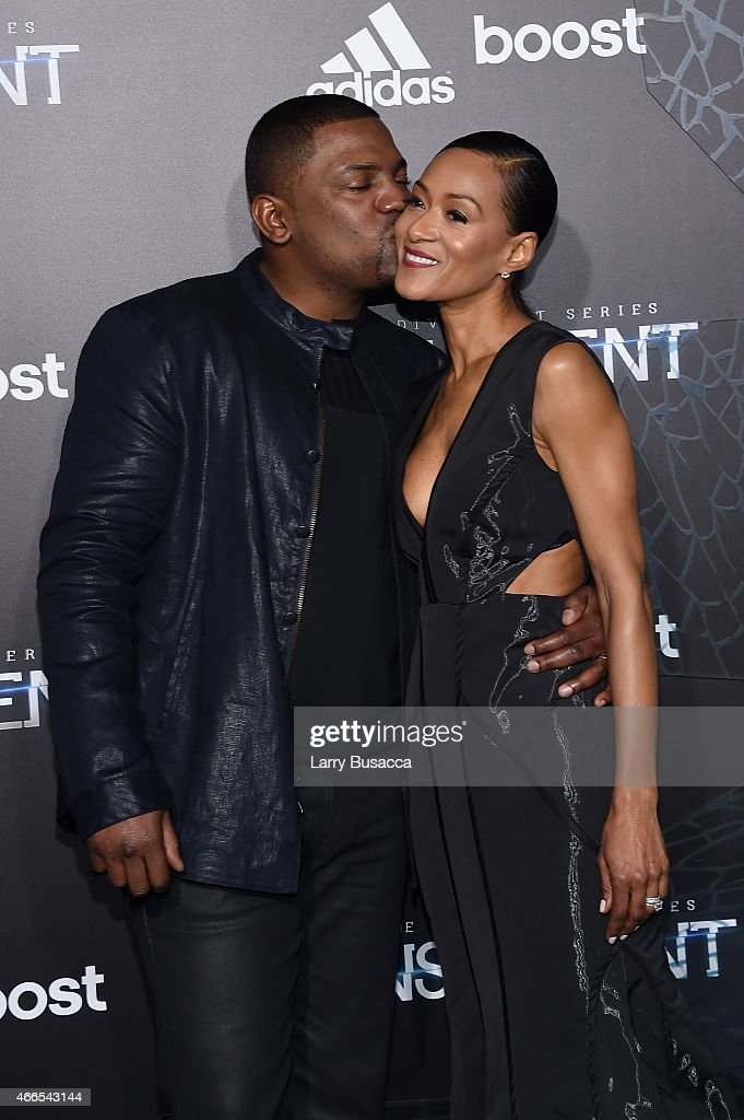 Actor Maki Phifer (L) and wife Reshelet Barnes attend 'The Divergent Series: Insurgent' New York premiere at Ziegfeld Theater on March 16, 2015 in New York City.