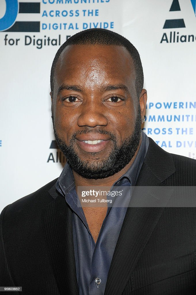 Actor Malik Yoba arrives at the 2010 Minority Broadband Empowerment Summit, held at the University of Southern California on January 15, 2010 in Los Angeles, California.