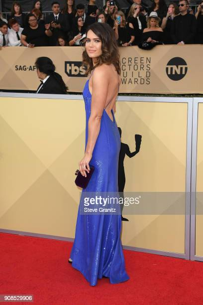 Actor Mandy Moore attends the 24th Annual Screen Actors Guild Awards at The Shrine Auditorium on January 21 2018 in Los Angeles California