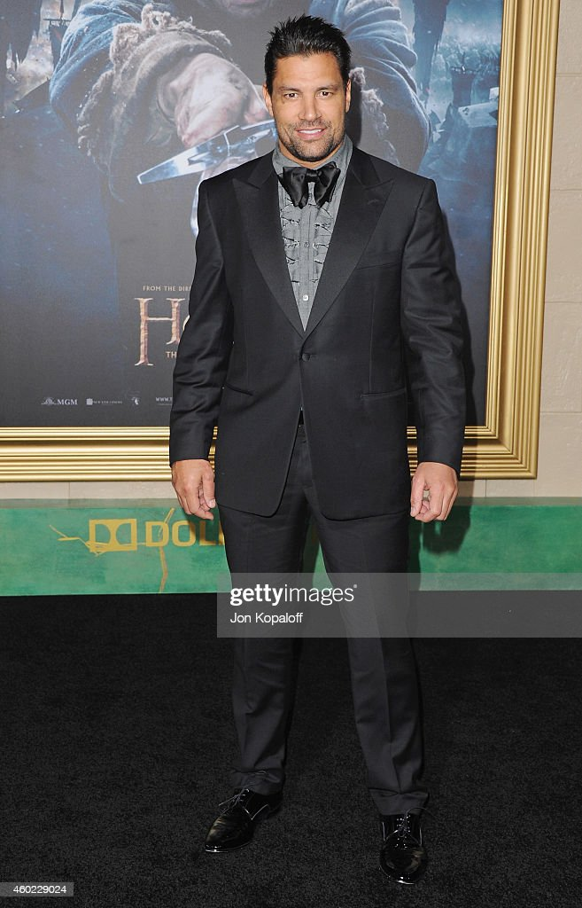 Actor Manu Bennett arrives at the Los Angeles Premiere 'The Hobbit: The Battle Of The Five Armies' at Dolby Theatre on December 9, 2014 in Hollywood, California.