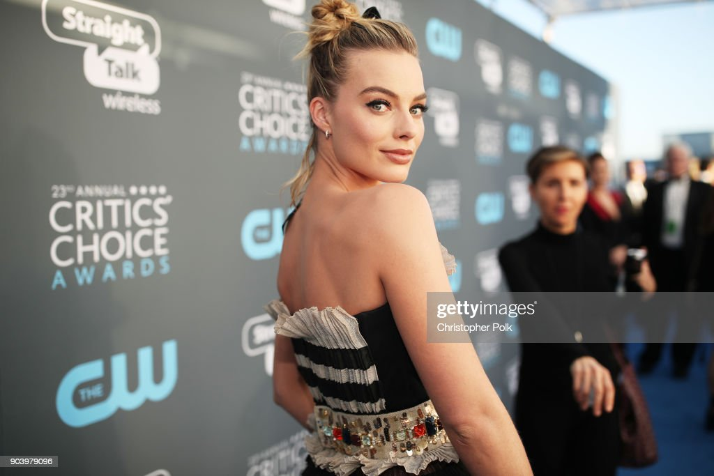 Actor Margot Robbie attends The 23rd Annual Critics' Choice Awards at Barker Hangar on January 11, 2018 in Santa Monica, California.