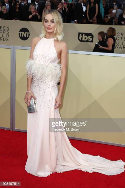 Actor Margot Robbie attends the 24th Annual Screen Actors Guild Awards at The Shrine Auditorium on January 21 2018 in Los Angeles California 27522_017