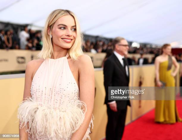 Actor Margot Robbie attends the 24th Annual Screen Actors Guild Awards at The Shrine Auditorium on January 21 2018 in Los Angeles California 27522_010