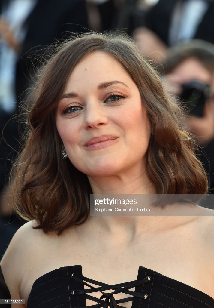Actor Marion Cotillard attends the 'Ismael's Ghosts (Les Fantomes d'Ismael)' screening and Opening Gala during the 70th annual Cannes Film Festival at Palais des Festivals on May 17, 2017 in Cannes, France.